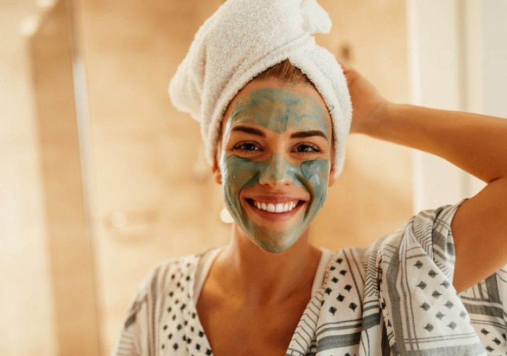 Consiente tu piel desde casa